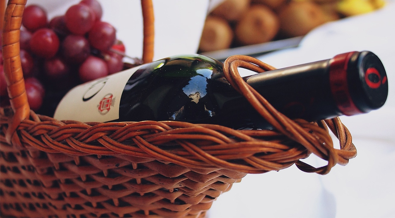 Top 3 Amazing and Piquant Christmas Gifts for Wine Lovers